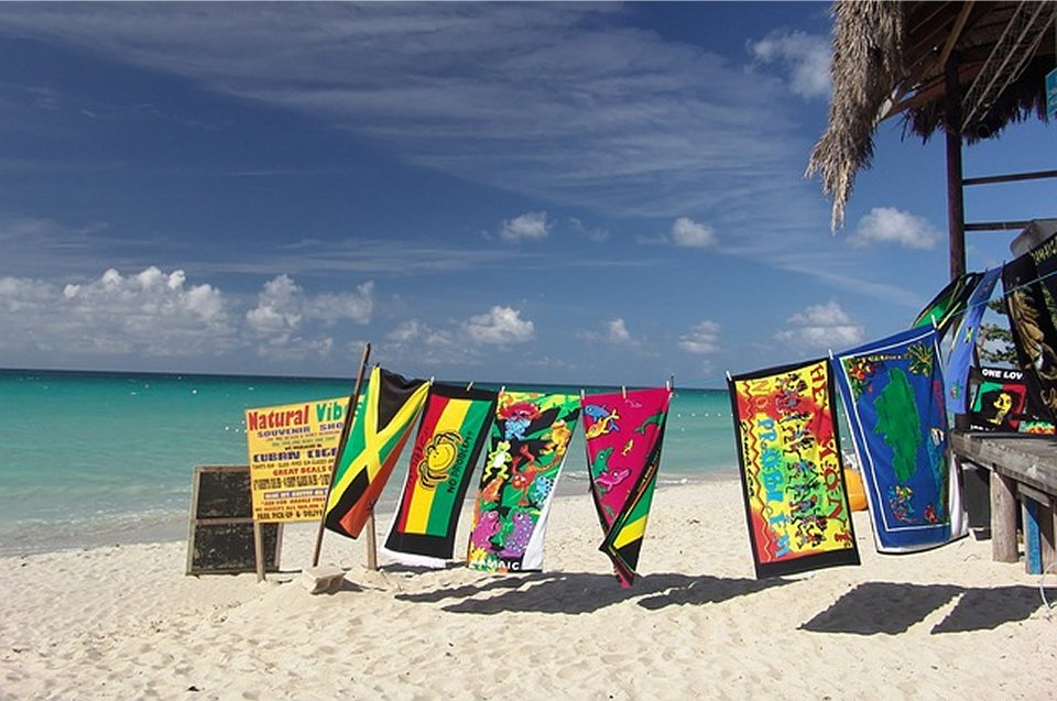 Island Vacation Prep: All You Need to Know About Jamaican Currency